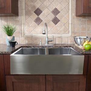 Lavatrastos estilo granja de diseño Americano de dos fosas de gran tamaño y profundidad, fabricado a mano, de fino acabado Solf Satín. Le da a su cocina un toque de lujo y elegancia.